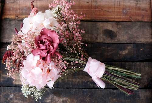 ramo de flores novia preservadas